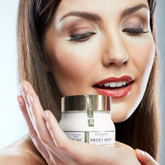 intox beauty model clean white.jpg