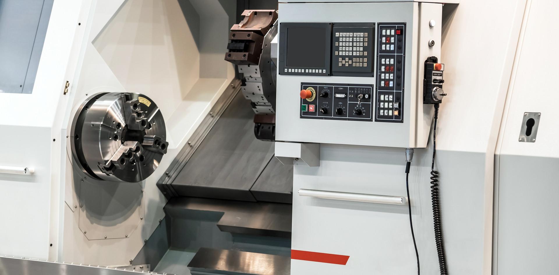 trabajos en torno CNC