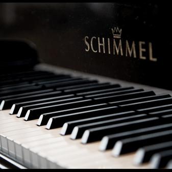 Daniel Stadler_frame records_Piano_close