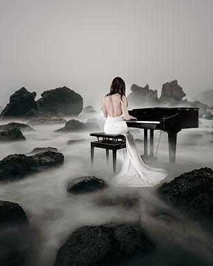 piano-spielerin-3847833_1920.jpg