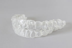 close-up-view-invisalign-braces-invisibl