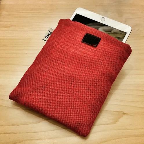 HeyJute Jute Mobile Phone Sleeve in red