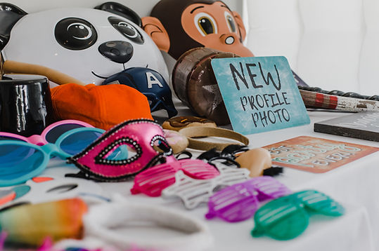 assorted-color-mask-and-glasses-2606402.
