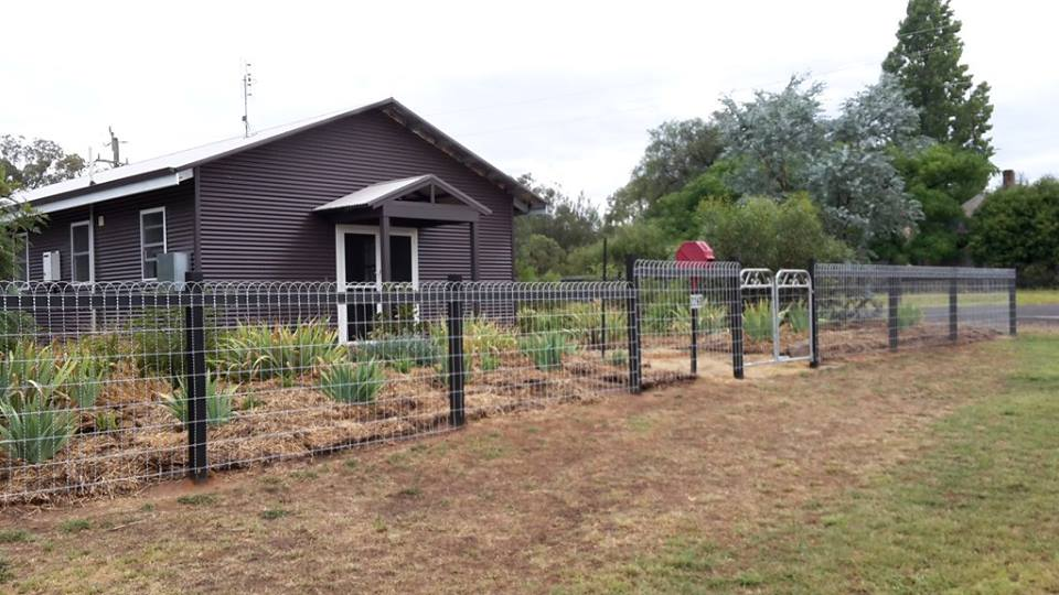 Heritage wire fencing