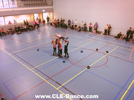 Showtime voor de C.L.E CREW tijdens het XCORE Event in Leidschenveen. Dansen voor het goede doel.
