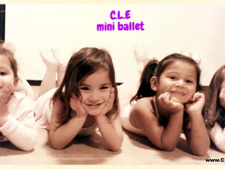 Voor alle kleine dansers hebben wij aanstaande maandag een gratis les in onze nieuwe dansstudio... G