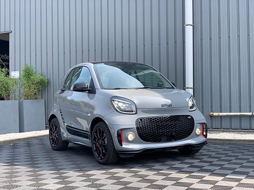 smart forTwo EDITION ONE JBL PACK BRABUS LIMITED EDITION