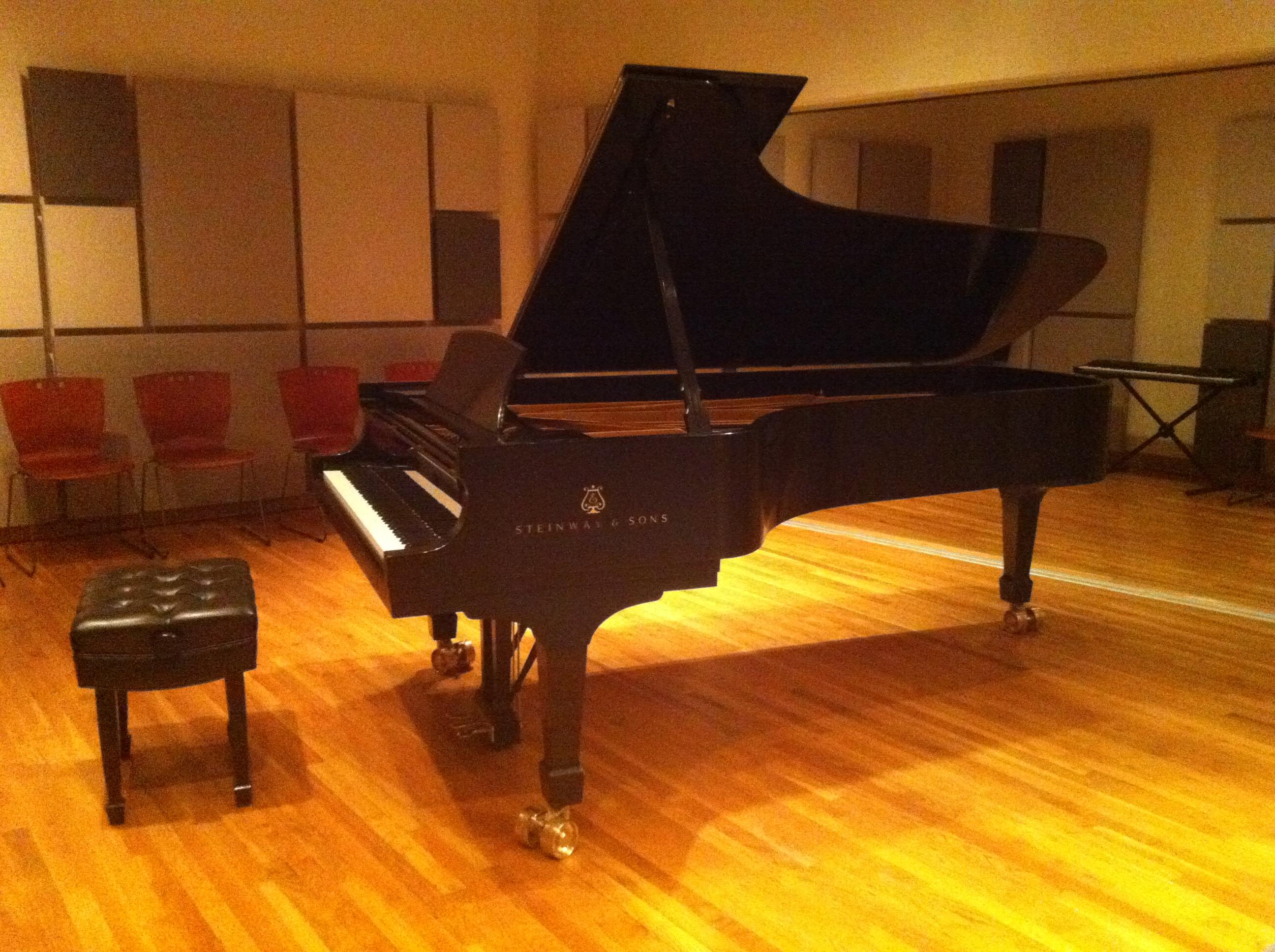 Steinway Piano setup CakeMix.JPG