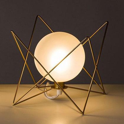 LAMPE ARTDECO TRIANGLE DORE