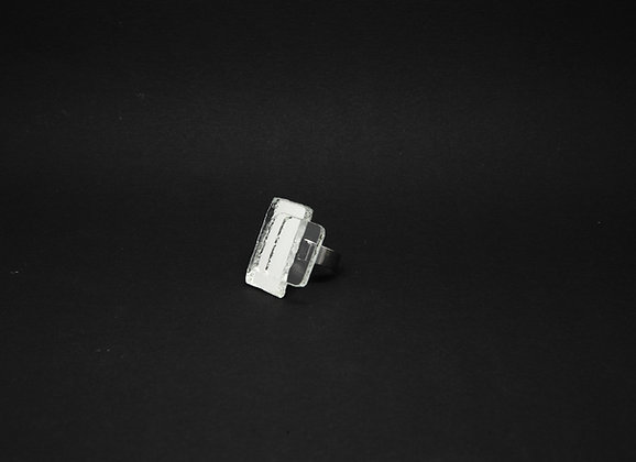 Bague décalée carrée