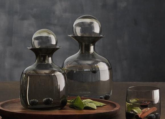 Carafe en verre ambre ou gris