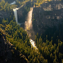 Escape the crowds, awaken your senses, and experience Yosemite in its raw and pristine state – from the air. Join our partners at Yosemite Flight Tours for a custom aerial tour of Yosemite National Park