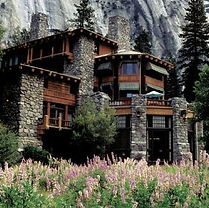 If you are lucky enough to find yourself in Yosemite Valley on Sunday then you HAVE to try this famous brunch and this historical landmark!