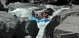 Beginner full day whitewater rafting trip in the Sierra foothills just 75 minutes from Yosemite Valley for visitors 9 years old and up.