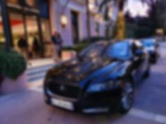 Véhicule et chauffeur prêts pour unePrise en charge à l'hôtel Royal Riviera de Saint Jean Cap Ferrat près de Beaulieu sur Mer