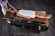 SQUARE Treatment 009: Mesas de masajes húmedos con sistema de calefacción y altura regulable. Fabio Alemanno: Diseño para Spa y Interiores.
