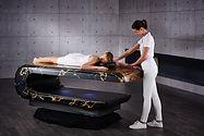 SQUARE Treatment 007: Mesas de masajes húmedos con sistema de calefacción y altura regulable. Fabio Alemanno: Diseño para Spa y Interiores.