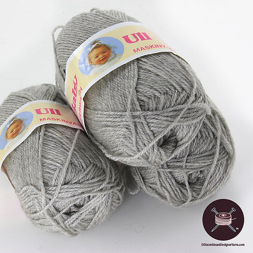 heathered light grey fingering weight wool yarn
