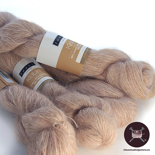 linen and mohair fawn color yarn