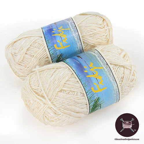 cream thick thin shirny matte yarn