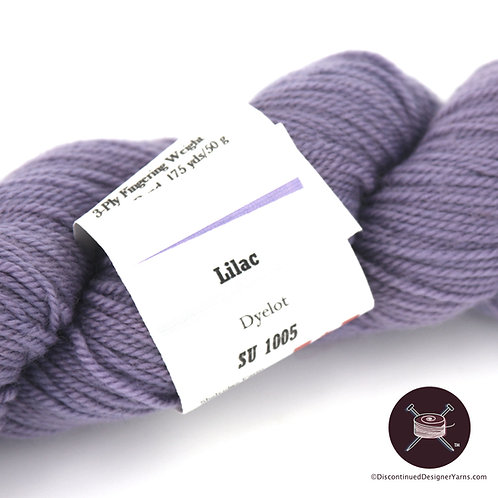 Lilac fingering weight handdyed wool yarn
