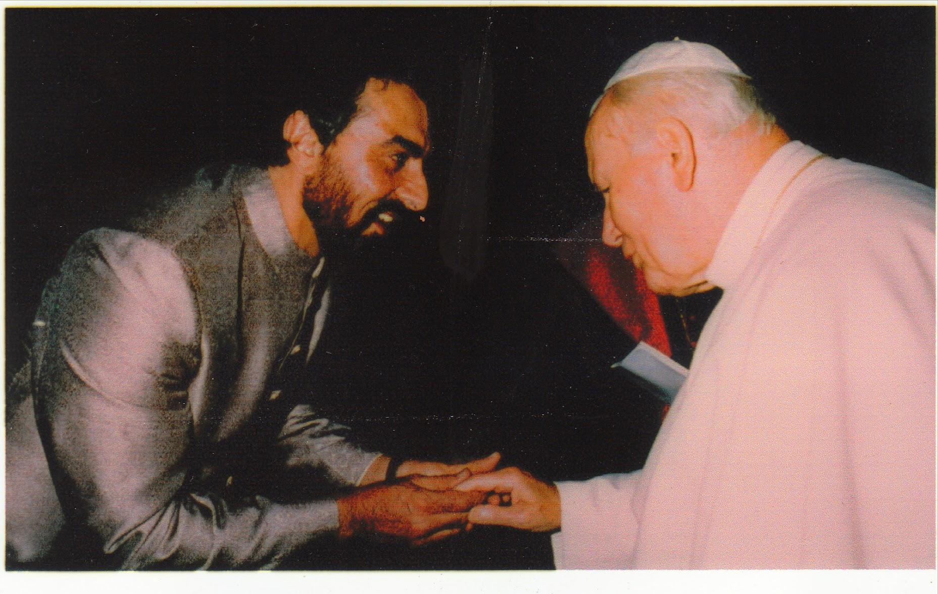 KABIR BEDI w POPE JOHN PAUL
