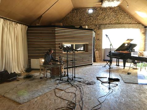 Enregistrement d'un set de percussions atypique
