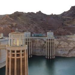 Hoover Dam #mkexplore  #visualsgang #artofvisuals #aov #createexploretakeover #canon #natgeovisuals