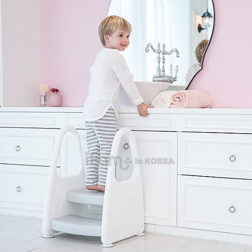 CHILD SAFETY STEP STOOL