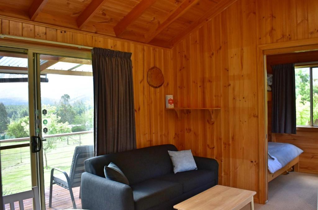 Lavender Cabin Lounge