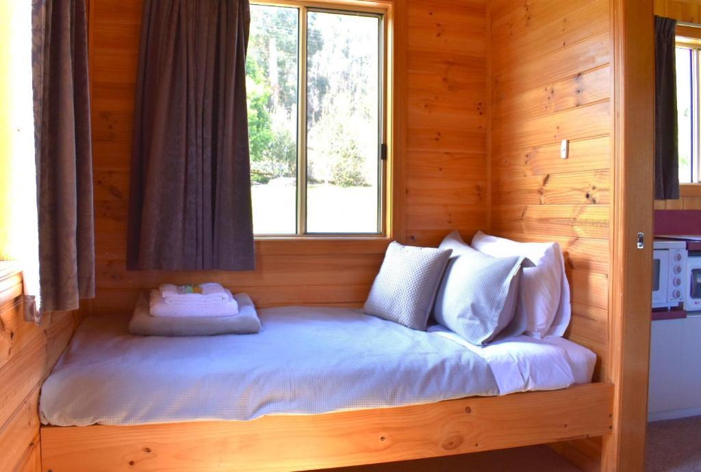 Lavender Cabin 2nd Bedroom Single
