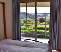 Apartment Garden & Mountain View
