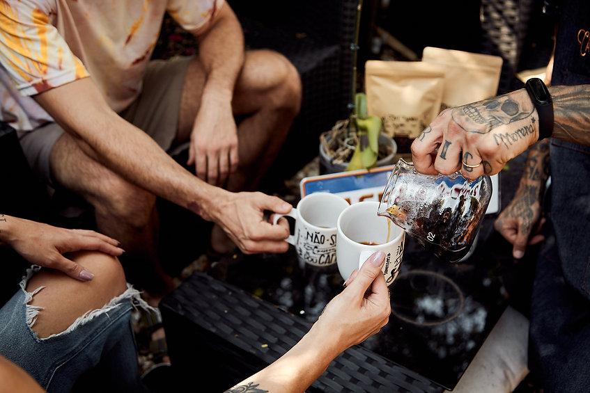 hands cafe especial.jpg