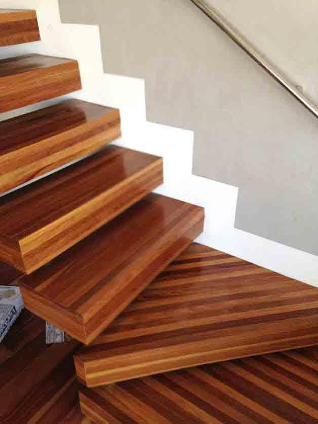 Escada Cumaru