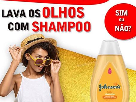 Lavar olhos com shampoo