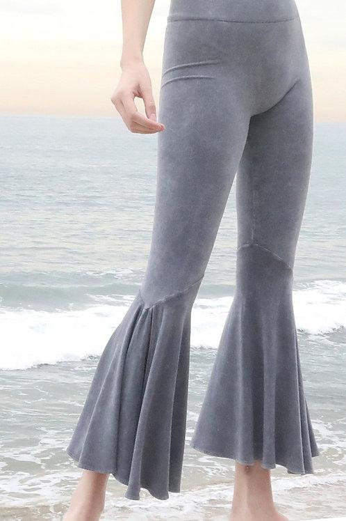 Flair bottom legging