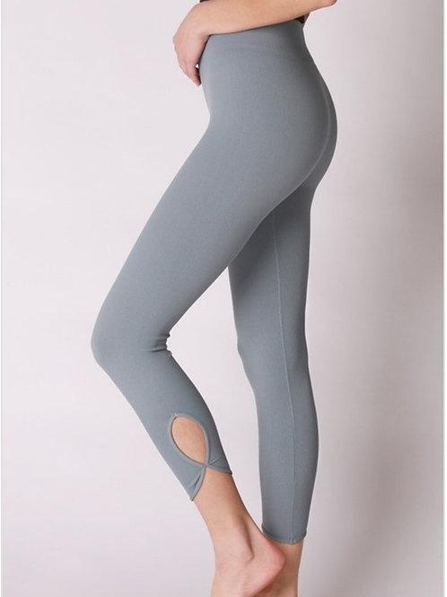 Key hole bottom leggings-