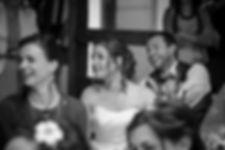 Mariage Emmanuelle et Baptiste, Loire atlantique, Stéphane GUIBERT photographe Angers, les mariées en Noir et blanc à table