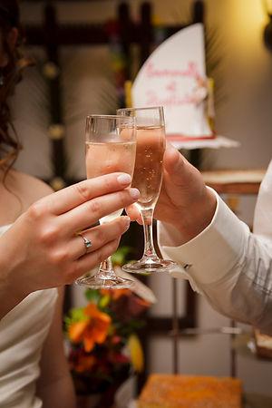 Mariage Emmanuelle et Baptiste, Loire atlantique, Stéphane GUIBERT photographe Angers, verre de champagne