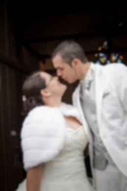 photographe mariage Adeline et Thomas  Angers stéphane Guibert - église, cérémonie religieuse, le bisous