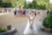 Mariage de Pauline et Colas Brissac, Stéphane Guibert photographe mariage Angers , Lancer de bouquet, préparation.