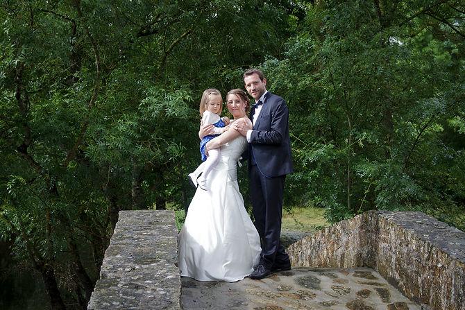 Mariage Emmanuelle et Baptiste, Loire atlantique, Stéphane GUIBERT photographe Angers, photo de couple avec leur fille
