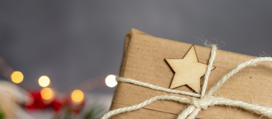 Why you should consider giving beeswax candle for Christmas