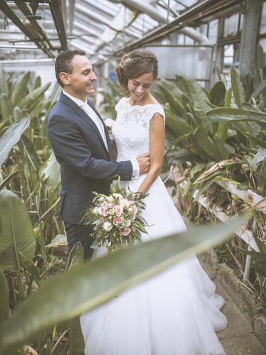 Brautpaarshooting_im_Gewächshaus.jpg