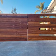 Horizontal Gate - Swinging Driveway (with glass)