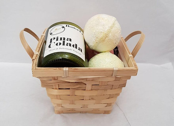 Classic Cocktail Scented Candle and Bath bombs Gift Set