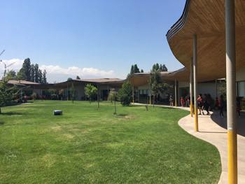 Patio de Colegio Pucalán Montessori