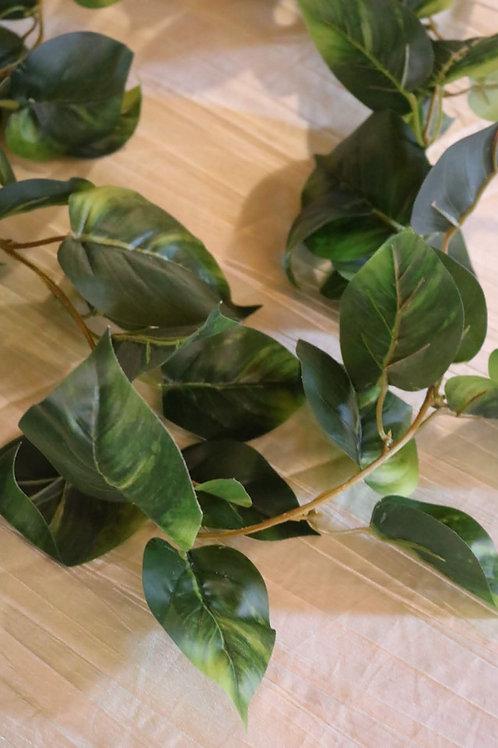 Wide Leaf Garland