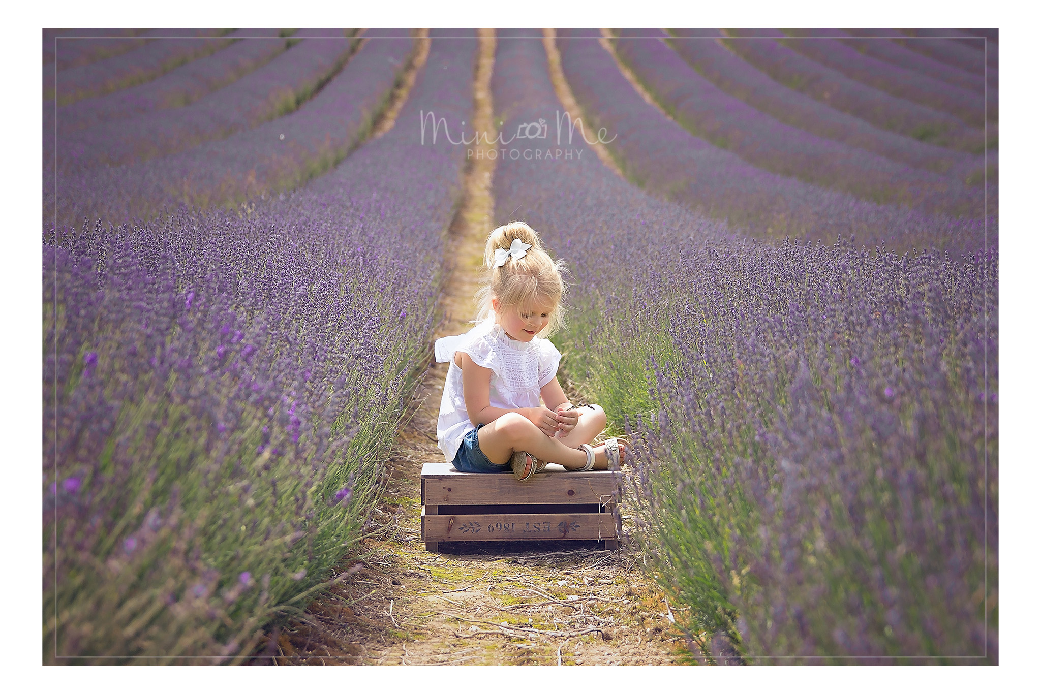 Outdoor Toddler photographer Hants