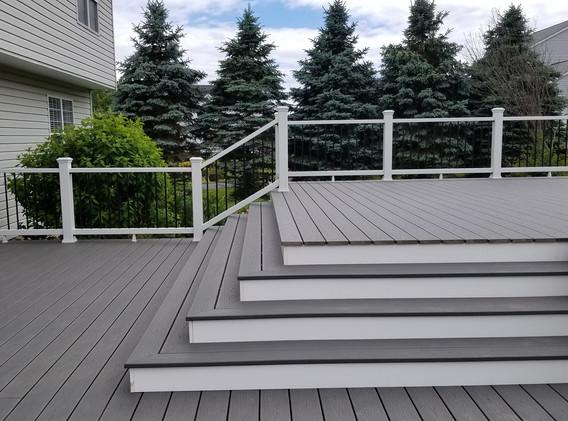 New-Deck-Construction-2.jpg